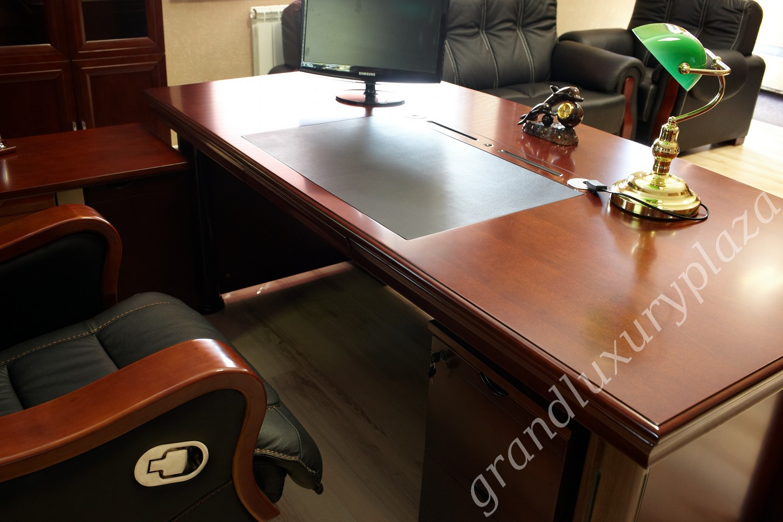 Scrivania tavolo ufficio studio presidenziale direzionale for Le piu belle lampade da tavolo