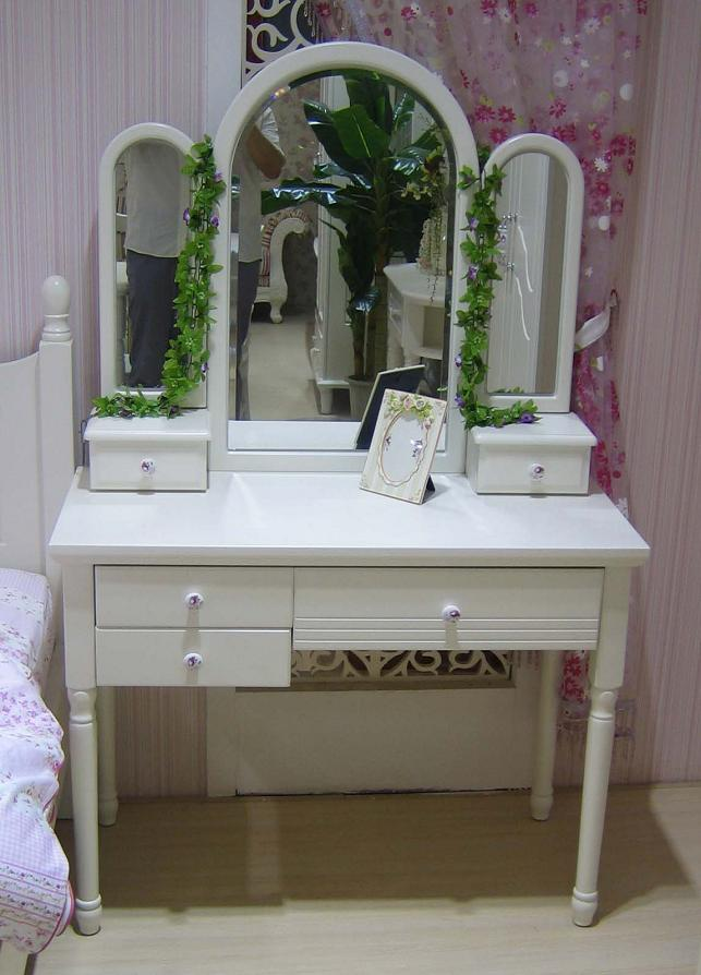 coiffeuse avec miroir blanche de s rie princesse 808 grand luxury plaza. Black Bedroom Furniture Sets. Home Design Ideas